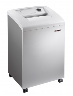 41414 CleanTEC CD, DVD + Paper Shredder with Oiler